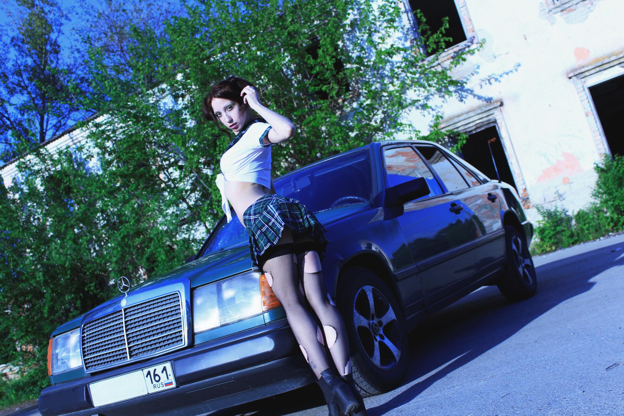 W124 и девушка