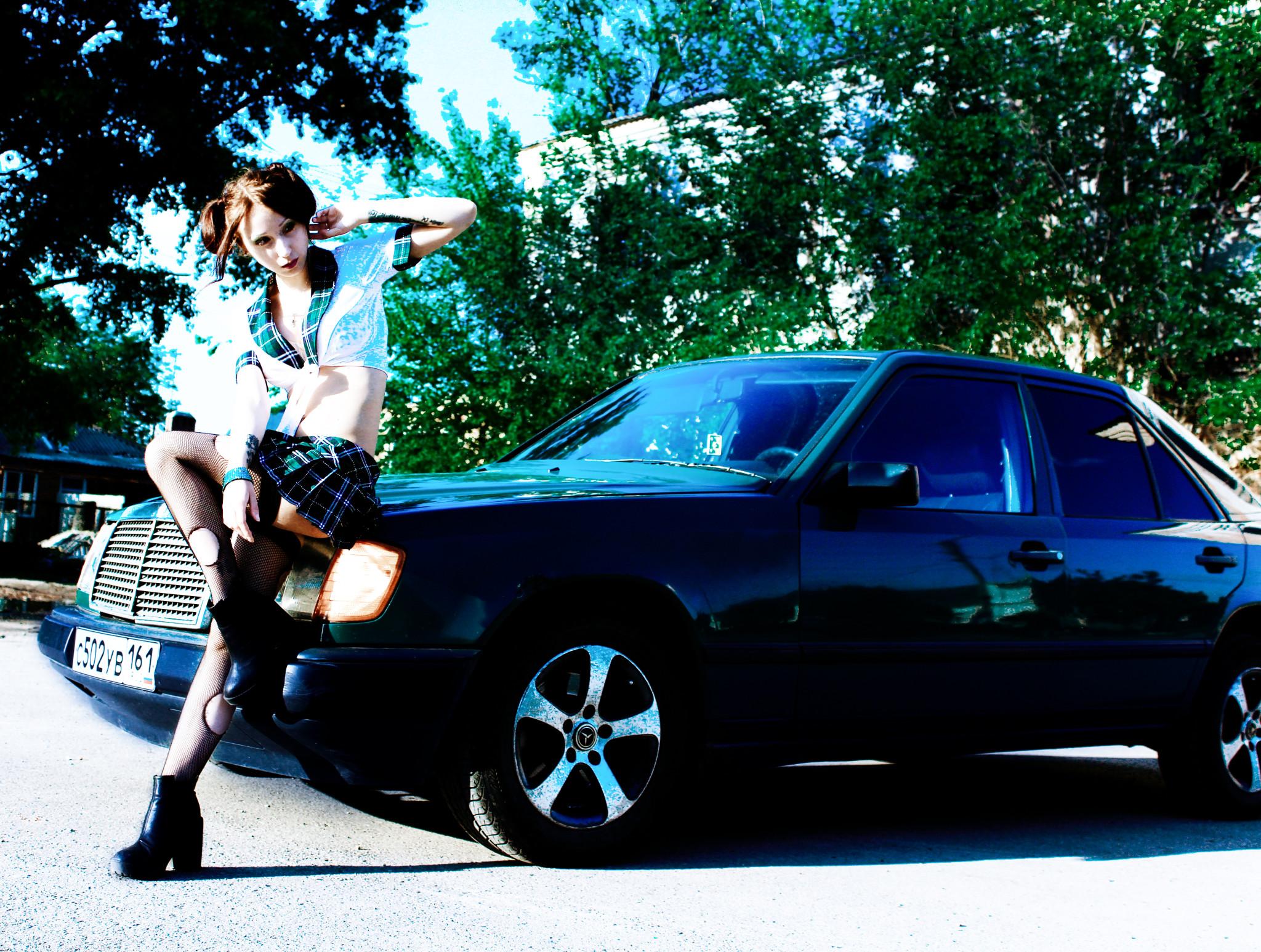 фото Мерседеса с девушкой